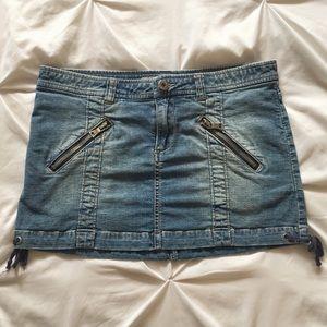 Vintage 2000's Guess denim mini skirt